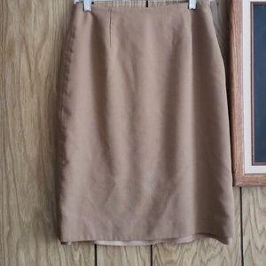 💙Tan knee length skirt